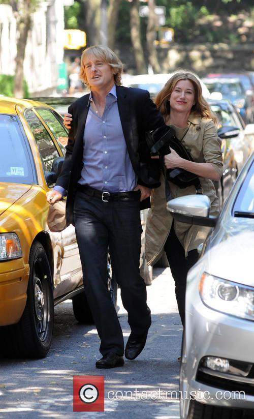 Owen Wilson and Kathryn Hahn 10