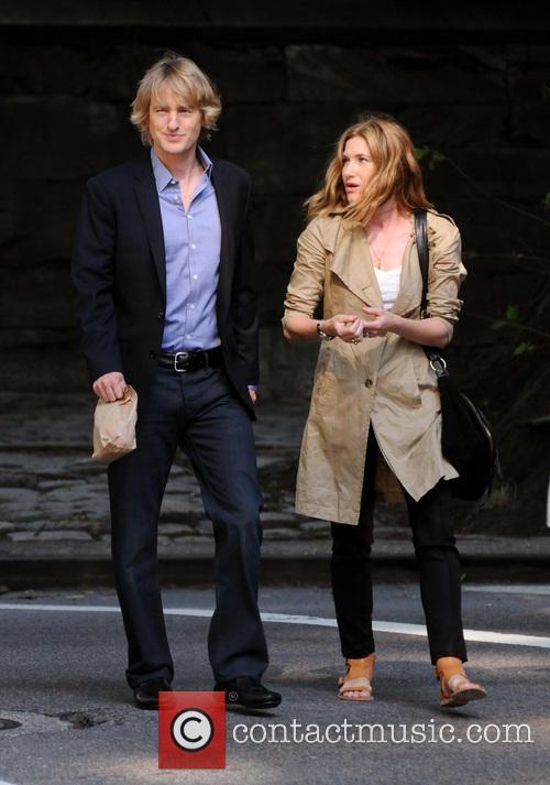 Owen Wilson and Kathryn Hahn 16