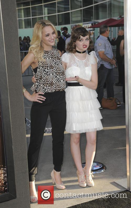 Haley King and Joey King 3