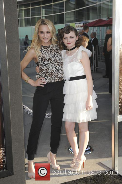 Haley King and Joey King 4