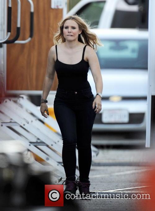Kristen Bell On Veronica Mars Filmset