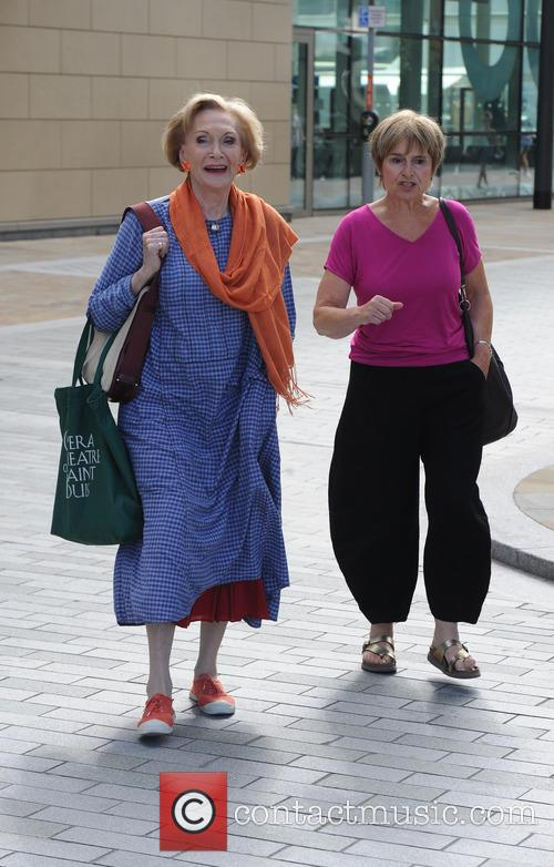Sian Phillips and Brigit Forsyth 6