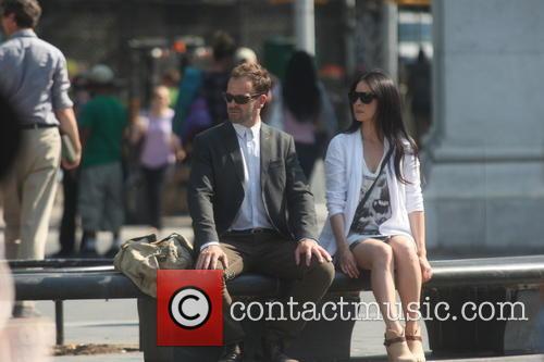 Jonny Lee Miller and Lucy Liu 5