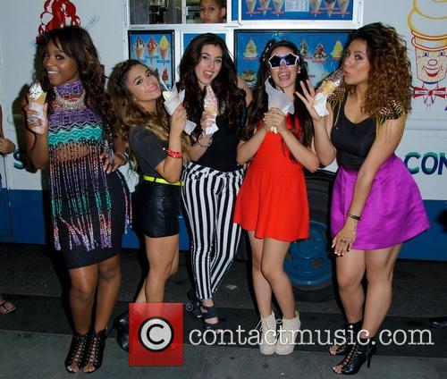Dinah, Normani Hamilton, Ally Brooke Hernandez, Lauren Jauregui, Camila Cabello and Fifth Harmony 9