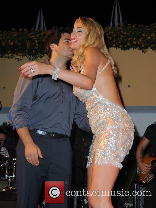 Eli Roth and Valeria Marini 1