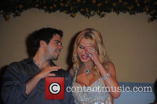 Eli Roth and Valeria Marini 4