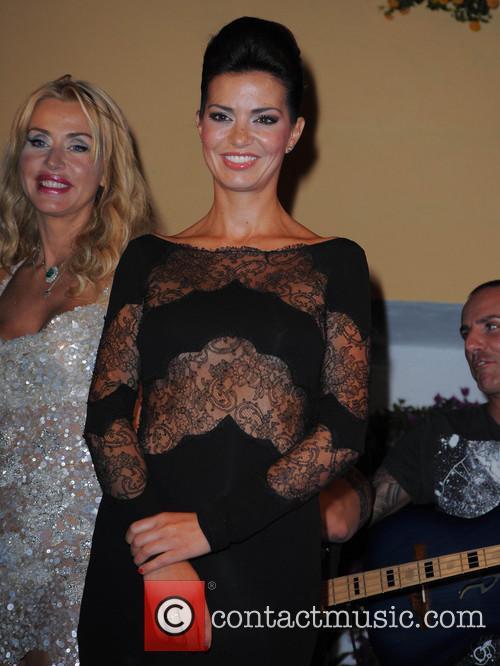 Valeria Marini, Laura torrisi