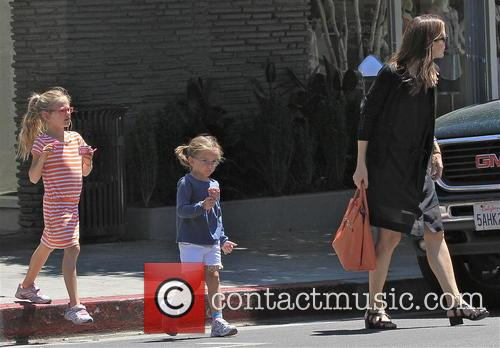 Jennifer Garner, Violet Affleck and Seraphina Affleck 15