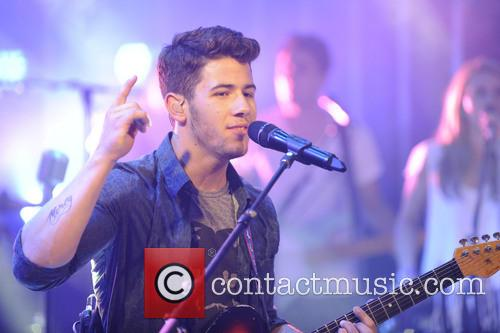 nick jonas jonas brothers on live at 3768071