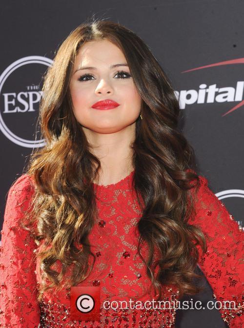 Selena Gomez 2