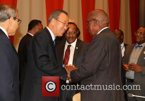 Nelson Mandela, Ban Ki moon and Andrew Mlangeni 1