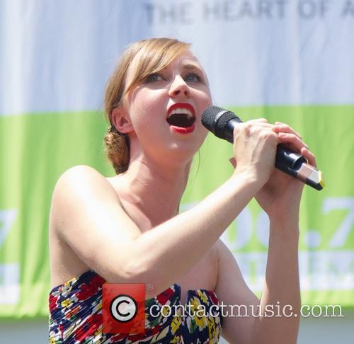 Samantha Hil 3