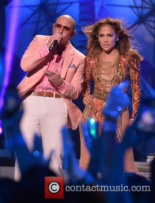 Pitbull and Jennifer Lopez 3