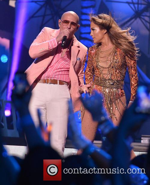 Pitbull and Jennifer Lopez 4