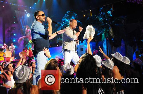 Gocho and Victor Manuelle 5