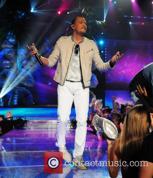 Victor Manuelle and Gocho 4