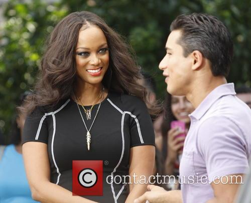 Tyra Banks and Mario Lopez 2