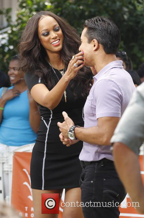Tyra Banks and Mario Lopez 3