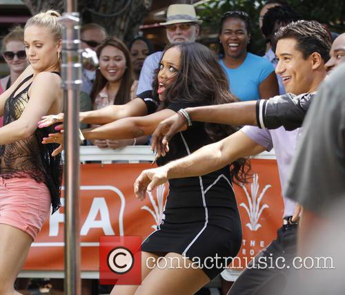 Tyra Banks and Mario Lopez 1