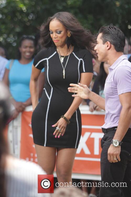 Tyra Banks and Mario Lopez 7