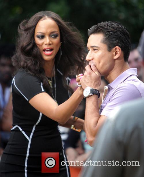 Tyra Banks and Mario Lopez 9