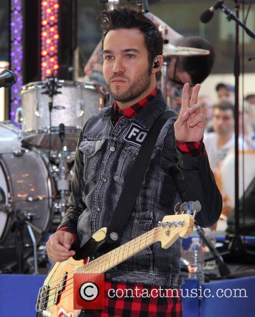 pete wentz fall out boy performing live 3771559