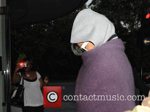 Rihanna Sleeps 3 Hours In Tour Bus
