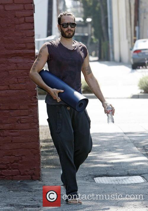 Russell Brand leaving yoga class