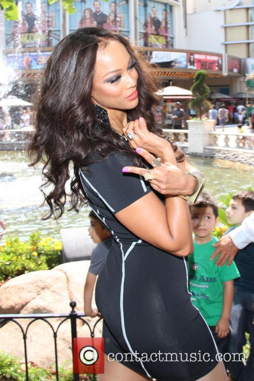 Tyra Banks 19