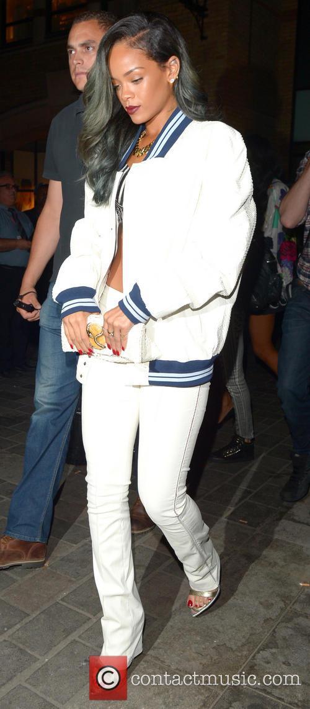 Rihanna, CENTRAL