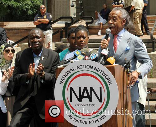 Al Sharpton, Benjamin Crump, Jahvaris Fulton and Sabrina Fulton 4