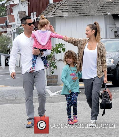 Jessica Alba, Cash Warren, Honor Marie Warren and Haven Garner Warren 11