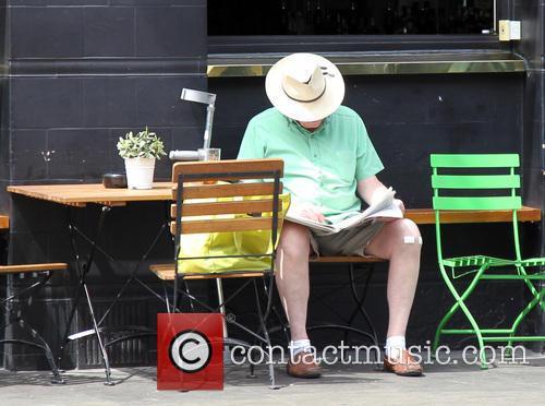 Londoners enjoy the warm weather