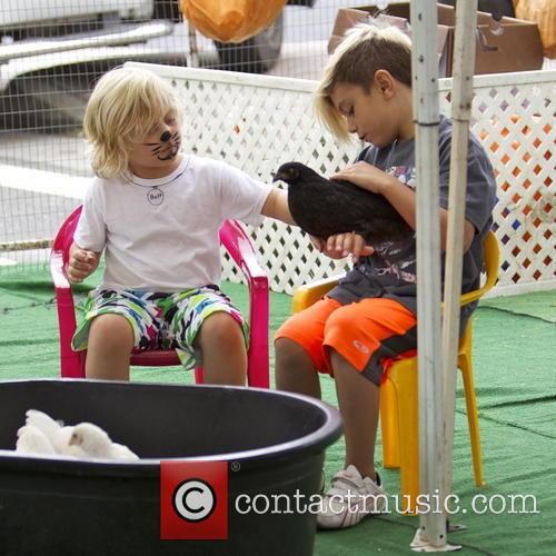 Gwen Stefani, Kingston Rossdale and Zuma Rossdale 7