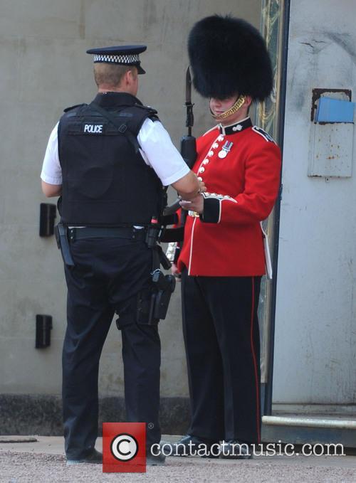 Buckingham Palace, Policeman and Royal Guard 2