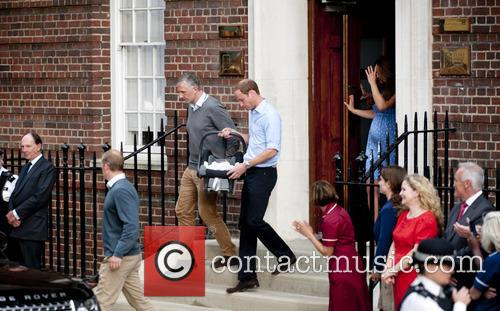 William and Kate show the new baby