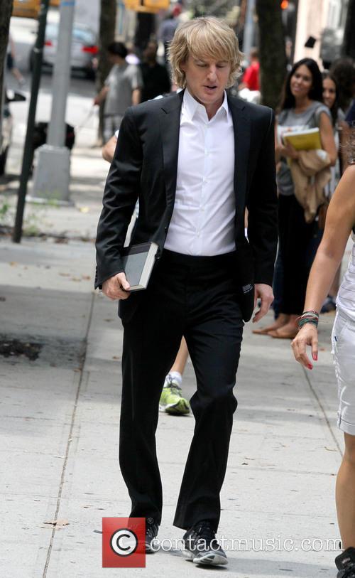 Jennifer Aniston and Owen Wilson on the set...