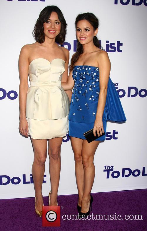 Aubrey Plaza and Rachel Bilson 1