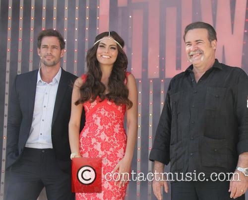 Picture - William Levy, Ximena Navarrete and Cesar Evora