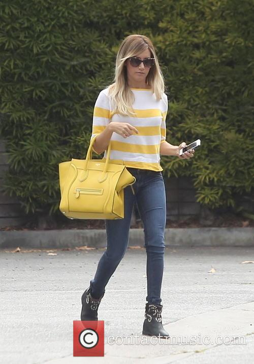 Ashley Tisdale 2