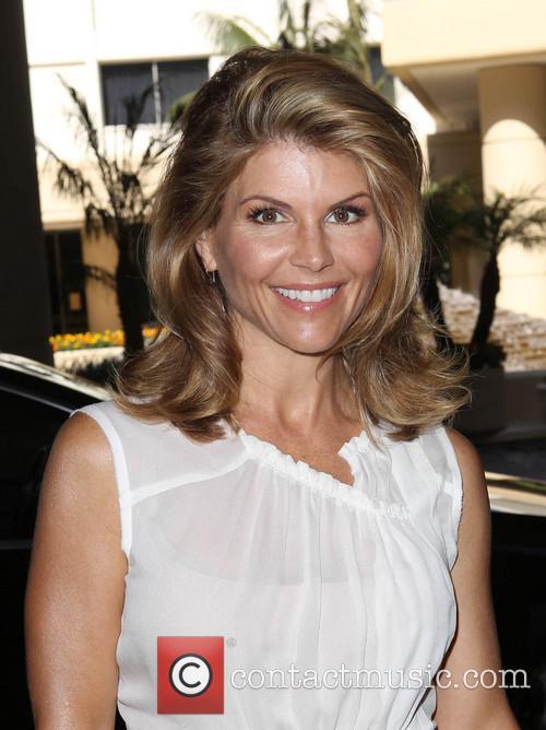 Lori Loughlin 2