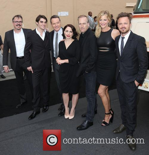 Vince Gilligan, Rj Mitte, Bryan Cranston, Laura Fraser, Bob Odenkirk, Anna Gunn and Aaron Paul 2