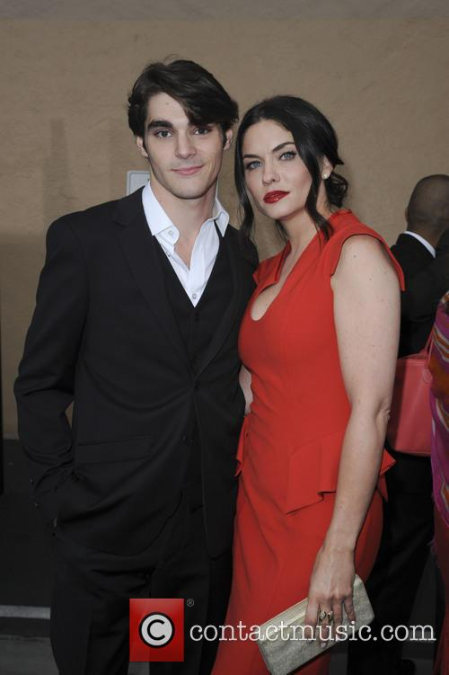 Rj Mitte and Jodi Lyn O'keefe 5