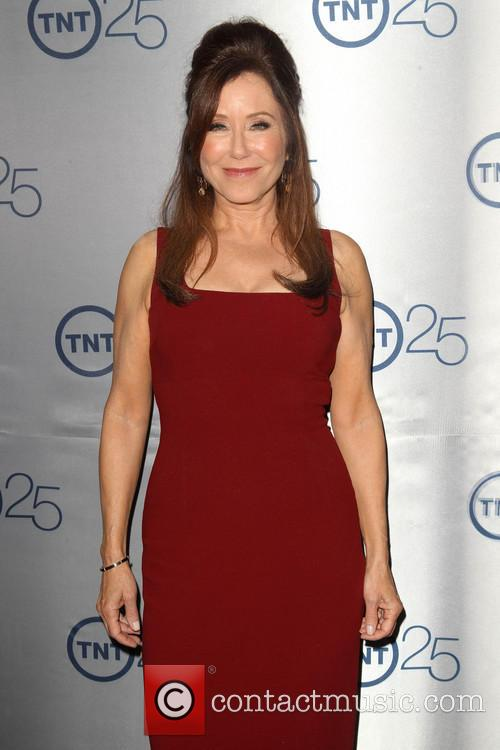 Mary Mcdonnell 5
