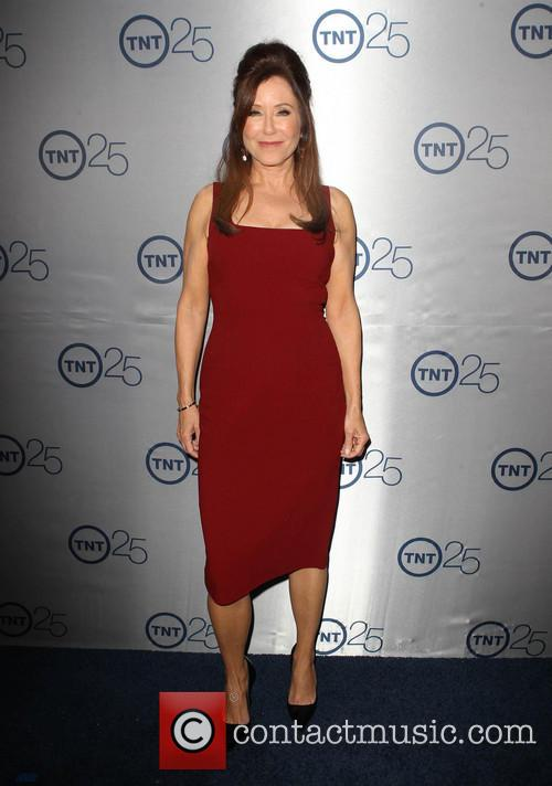 Mary Mcdonnell 8