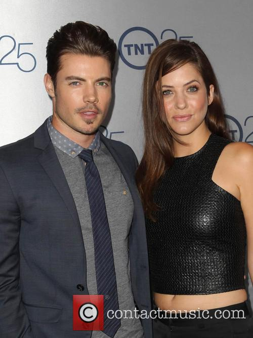 Josh Henderson and Julie Gonzalo 9