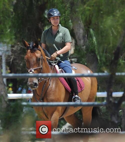 kaley cuoco kaley cuoco seen horseback riding 3781463