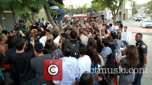 Priyanka Chopra and crowd 5