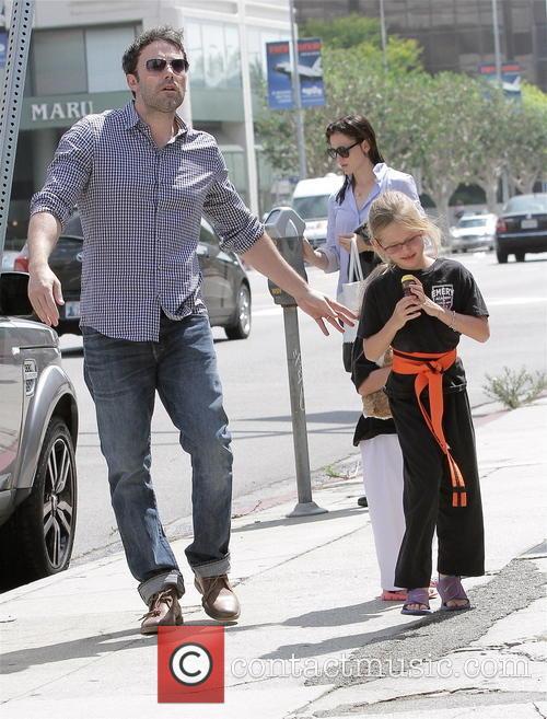 Jennifer Garner, Violet Affleck and Ben Affleck 4