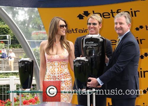Elizabeth Hurley and Shane Warne 20